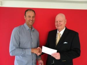 Marc Bruder (Präsident Lions Club Bad Vilbel) und Hr. Krefft